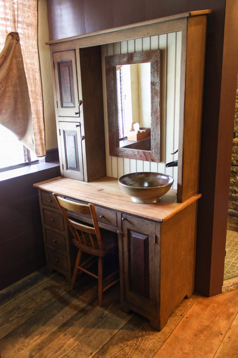 Rustic country primitive vanity and sink